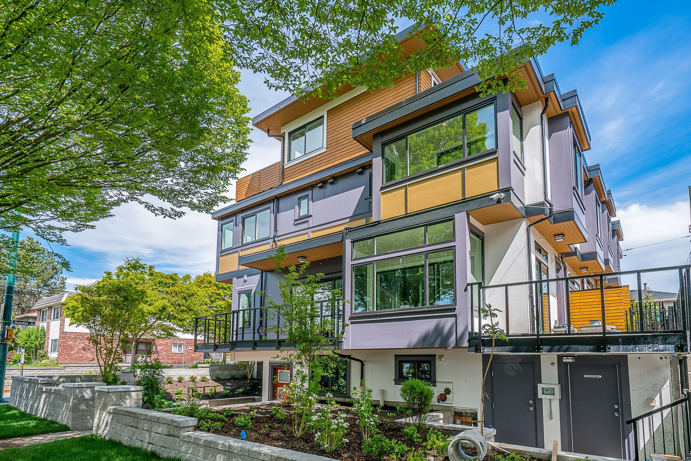 Nanaimo West in Vancouver, BC   Prices, Plans, Availability on thunder bay, red deer, prince george, vancouver island, nanaimo bar,