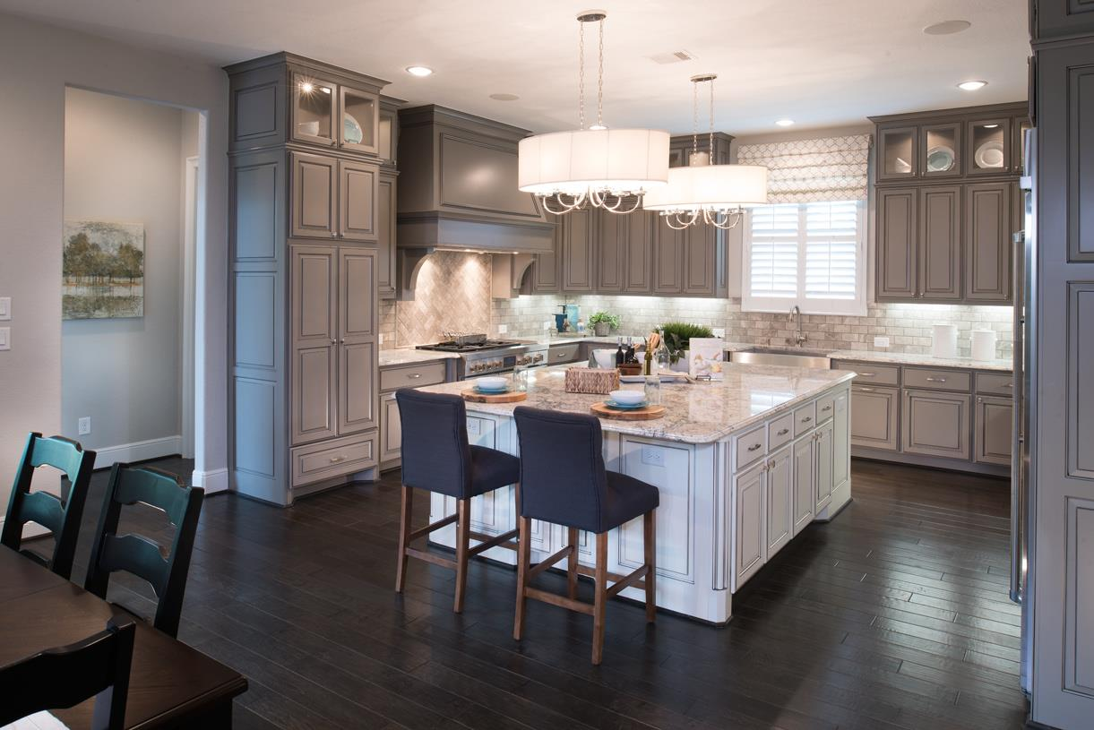 Woodson 39 s reserve estate collection in spring tx - Professional home kitchen design ...