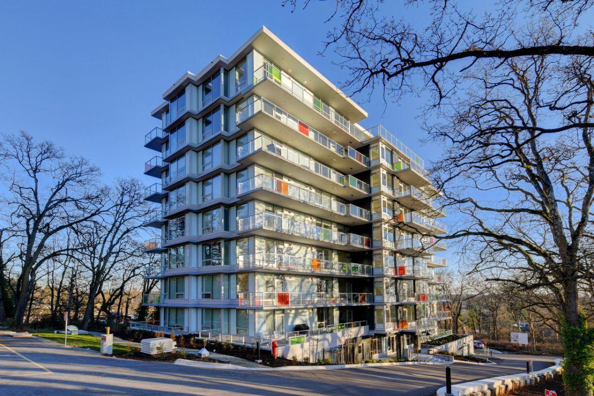 christmas hill apartments victoria bc